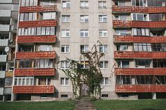 Nature taking over (Rait_Tuulas) Tags: tallinn eesti estonia õismäe väikeõismäe architecture house building