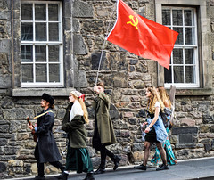 Revolution and music (Harry McGregor) Tags: edinburgh festival fringe edinburghfestivalfringe musicians actors people flag building scotland nikon d3300 harrymcgregor 6 august 2018