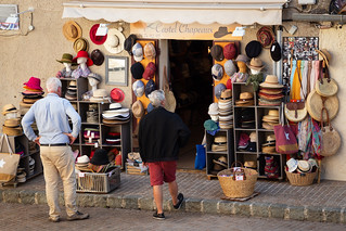 Choosing the right chapeaux