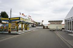 Vor dem Wurstmarkt (Manfred Hofmann) Tags: brd farbig kurpfalz leere orte projekte surreal themen flickr öffentlich baddürkheim pfalz