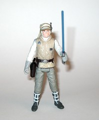 luke skywalker from wampa and luke skywalker hoth star wars the last jedi red and white card creature and basic action figure force link 2017 hasbro g (tjparkside) Tags: luke skywalker from wampa hoth star wars last jedi red white card creature basic action figure force link 2017 hasbro 2018 figures snow ice planet episode v five 5 tesb esb empire strikes back cave 20 green razor sharp fangs claws fur tauntaun taun tauns lightsaber blaster pistol holster headgear jacket 5poa