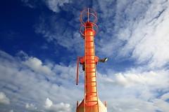 leuchtfeuer (Rasande Tyskar) Tags: dk denmark dänemark hvide sande danmark sky himmel clouds wolken leuchtturm light tower orange pole