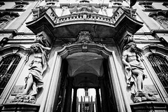 Teatro Litta entrance (khrawlings) Tags: teatro litta milan italy bw blackandwhite monochrome door entrance sculpture balcony