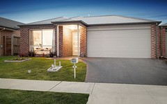 6 Curved Trunk Road, Officer VIC