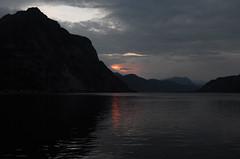 inguine leonardesco 249 - lago di Lecco (Alberto Cameroni) Tags: tramonto lagodicomo lario sera poesia marioluzi leica leicaxtyp113