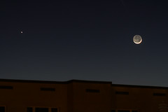 Jupiter & Moon / @ 135 mm / 2011-03-06 (astrofreak81) Tags: jupiter moon luna mond planet stars tree light night sky dark konjunktion konstellation dresden 20110306
