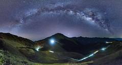 合歡山~銀河全景~  Panoramic Milky way (Shang-fu Dai) Tags: 台灣 taiwan 南投 nikon d800e sky landscape formosa galaxy 銀河 星空 milkyway panoramicmilkyway 合歡山 3417m mthehuan 夜景 車軌 天空 山 風景