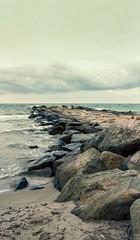 campello (Antonio GB) Tags: canoneos33 tamronsp35mmf18divcusd canon 35mmfilm carrete analógico analogue filmisnotdead fujireala expiredfilm películacaducada playa elcampello
