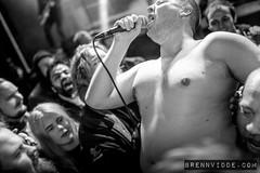 Ondt Blod (morten f) Tags: live hardcore band norge norway 2018 harpefoss hardcorefestival monochrome brennvidde konsert konsertfoto foto concert stage ondt blod vokalist vocals crowdsurf aslak heika hætta bjørn