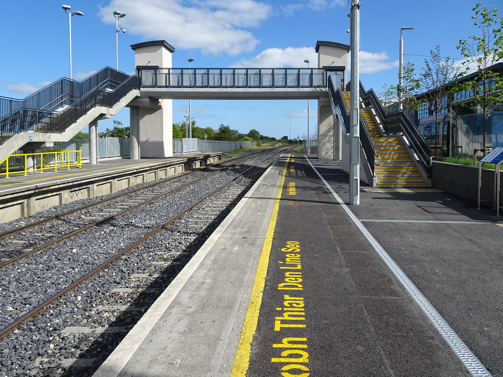 AT LONG LAST THEY HAVE INTEGRATED BROOMBRIDGE TRAM STOP WITH THE TRAIN STATION [PHOTO DIARY 3 SEPTEMBER 2018]-143855