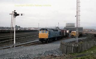 Falkland Yard 25196 awaits the signal on Hunterston flasks early 80's c718