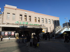 Ueno Station exterior (kevincrumbs) Tags: tokyo 東京 taito 台東 taitoku 台東区 ueno 上野 uenostation 上野駅 jr jreast jr東日本 station trainstation 駅