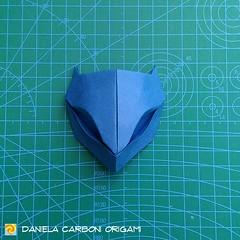 "Origami Challenge 143/365 ""Maschera"" Modello creato intorno al 2015. I 12 modelli mancanti saranno recuperati nei prossimi giorni. -------------------------------------------- ""Mask"" Model created around 2015. The 12 missing models for the 365 challenge, (Nocciola_) Tags: mask paperart cartapiegata createdandfolded papiroflexia paperfolding originaldesign danielacarboniorigami paper maschera origami"