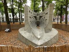 Fergus Mulvany Perish the thought (Marcel Kochen) Tags: fergusmulvany zandsculptuur sculptures wssa feestaanzee badplaats scheveningen langevoorhout denhaag thehague