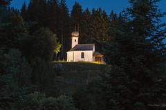 Ellmau/Tirol (Uwe Weigel) Tags: tirol ellmau austria chapel kapelle hartkaiser light travel view travelphotography reise nice building sky mountains berge forest wald travelpics focus greatcapture