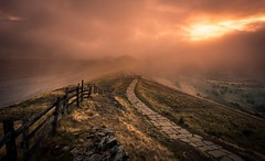 Misty morning (Phil-Gregory) Tags: nikon d7200 national naturalphotography naturephotography nationalpark naturalphotograph countrylife country tokina1120mmatx tokina peakdistrict mamtor greatridge scenicsnotjustlandscapes landscapes landscapephotography ngc