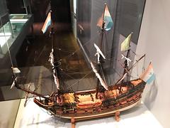 Model of the Langewijk flute (quinet) Tags: 2017 amsterdam maritimemuseum modellschiff netherlands scheepvaartmuseum flute modelship modélismenaval northholland neterlands 528