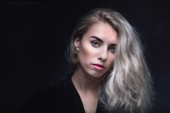 Rowen (Passie13(Ines van Megen-Thijssen)) Tags: rowen sturdioshoot portrait portret woman canon netherland inesvanmegen inesvanmegenthijssen bestcapturesaoi