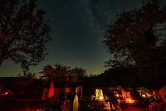 Sternenhimmel am Weinfelder Maar (clemensgilles) Tags: sterne starlight lowlight light beautiful astrofotographie nachtfotografie friedhof deutschland eifel germany
