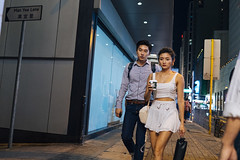 Sunday night (人間觀察) Tags: street streetphotography photography sony sonyrx1r rx1rm2 rx1r candid city night people girls travelling 35mm f2 wideopen offfinder 街拍 街道 hongkong hk kowloon
