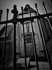 Anglų lietuvių žodynas. Žodis crucifix reiškia n relig. nukryžiuotasis lietuviškai.