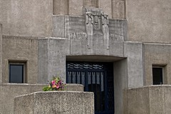 Flowers (Johan Moerbeek) Tags: flowers concrete beton bloemen radiokootwijk kootwijk