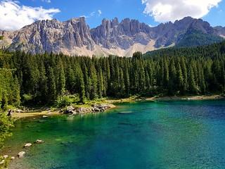 Karer Wildsee in den Dolomiten Italien