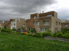 Cubic houses (sander_sloots) Tags: houses modern uster swiss architecture house dwelling grass brown modernist modernisme architectuur zwitserland gschwader