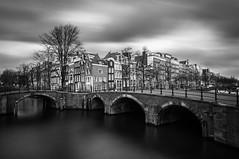 Amsterdam (Yann OG) Tags: amsterdam hollande paysbas noiretblanc nb blackandwhite bw monochrome poselongue longexposure cityscape canal canaux pont bridge contrast le pl