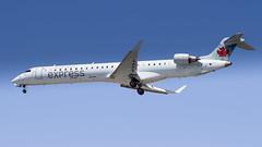Bombardier CRJ-705 C-FJJZ Air Canada Express (William Musculus) Tags: vancouver international airport spotting yvr cyvr richmond britishcolumbia canada ca cfjjz air express bombardier crj705 cl6002d15 crj900 ac aca qk jza william musculus