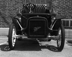 Crown_Graphic_082718_02 (Mark Dalzell) Tags: graflex grown graphic 4x5 rangefinder camera bw black white dick shappy classic cars 1907 cadillac ansco expired