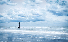 beach blues (Emma Varley) Tags: beach post waves clouds sky blue sea ocean seascape westsussex westwittering