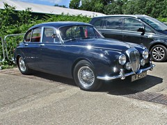 547 Daimler V8 250 (1964) (robertknight16) Tags: daimler v8250 british 1950s jaguar brooklands bld438b