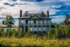 Les angelots (Aurélienki) Tags: decayingworld decay abandonedworld abandonedplaces lostplaces abandoned urbex