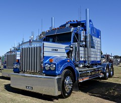 Blanch (quarterdeck888) Tags: trucks photos truckphotos australiantrucks outbacktrucks workingtrucks primemover class8 overtheroad interstate frosty quarterdeck jerilderietrucks jerilderietruckphotos flickr bdoubles lorry bigrig highwaytrucks interstatetrucks nikon truck kenworth kenworthclassic kk kenworthclassic2018 truckshow truckdisplay workingclasstrucks noprizes blanch legend t900