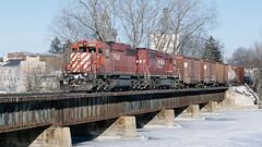 5915_01_24 (4)_crop_clean (railfanbear1) Tags: railroad bm cp