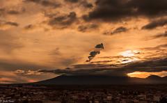 volcan entre nubes (guilletho) Tags: landscape nature mexico puebla huejotzingo popocatepelt volcano clouds sky paisaje nubes volcan canon sunset atardecer mountains