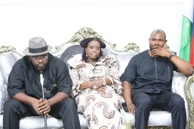 HSDickson-Condolence Visit by Toro O'rua youths Body