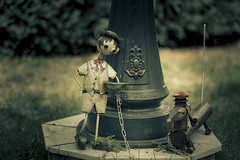 Petits personnages (flutalute) Tags: scene jardin personnage