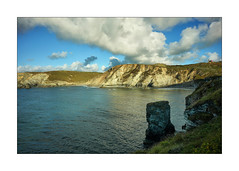 BLUE HILLS CORNISH TIN MINING (Barry Haines) Tags: sony a7rii a7r2 carl zeiss 21mm loxia distagon north cornish coast mining rocks sea sand cornwall st agnes star rock trevaunance cove seascape