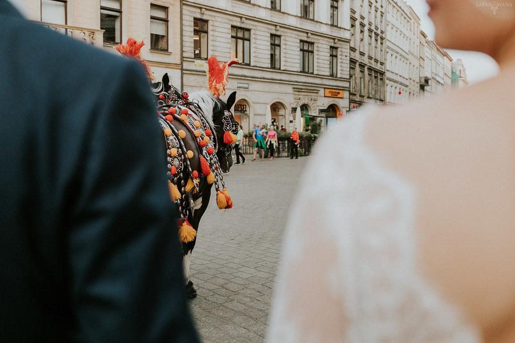 401 - ZAPAROWANA - Kameralny ślub w Krakowie