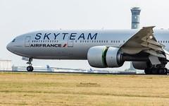 Boeing 777-300ER Air France Skyteam F-GZNT (French_Painter) Tags: boeing 777300er air france skyteam fgznt