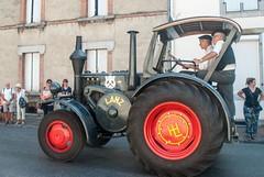 Autrefois le Couserans (Ariège) (PierreG_09) Tags: ariège pyrénées pirineos couserans fête manifestation tradition saintgirons autrefoislecouserans machine tracteur
