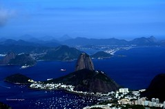 Río de Janeiro (luisarmandooyarzun) Tags: nikonflickrawards soe fotografía nubes clouds mirador sea mar barcos aviso viaje corcovado océanoatlántico azul turismo ciudad city citycape landscape nikon photography sudamérica brasil ríodejaneiro brazil