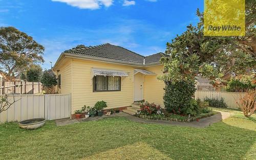 6 Ballandella Rd, Toongabbie NSW 2146