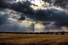 Pylon (nigdawphotography) Tags: pylon electricity field farm arable sunlight rays trimmsgreen essex crepuscularrays