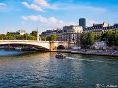 180718-148 La Seine (clamato39) Tags: laseine river rivière fleuve eau water ciel sky clouds nuages city ville urban urbain paris france europe voyage trip