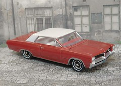 1964 Pontiac GP (Auto World 1/64) (PAcarhauler) Tags: model ford pontiac scalemodel truck