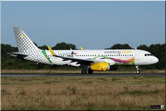 Airbus A320-232, Vueling, EC-MOG (OlivierBo35) Tags: spotting spotter nte nantes airbus a320 vueling
