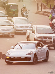 Porsche Panamera 2nd gen, Bangladesh. (Samee55) Tags: bangladesh dhaka carspotting carsofbangladesh carcandid carsspotted2018 automotivespotting automotivephoto automotiveimages porsche panamera 2018 ontheroad canon airportrd
